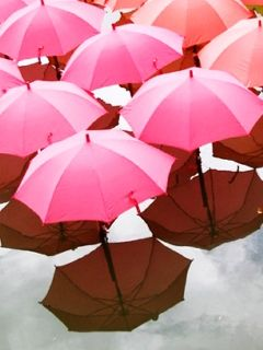A day for pink umbrellas? #PiagetRoseDay Discover @Piaget universe