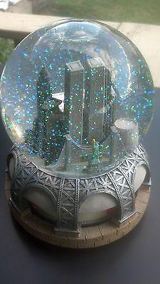 Torres Gemelas Musical Snow Globe