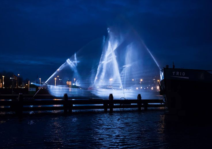 A 3D Ship Projected onto Curtains of Water at the Amsterdam Light Festival by visualSKIN  http://www.thisiscolossal.com/2014/12/ghost-ship-installation-by-visualskin/