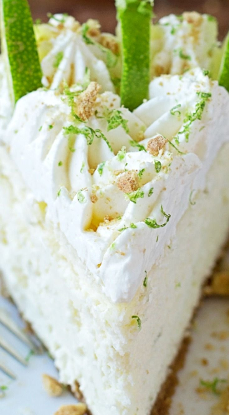 Key Lime Cheesecake ~ This thick and creamy key lime cheesecake is the perfect combination of sweet and tart!2