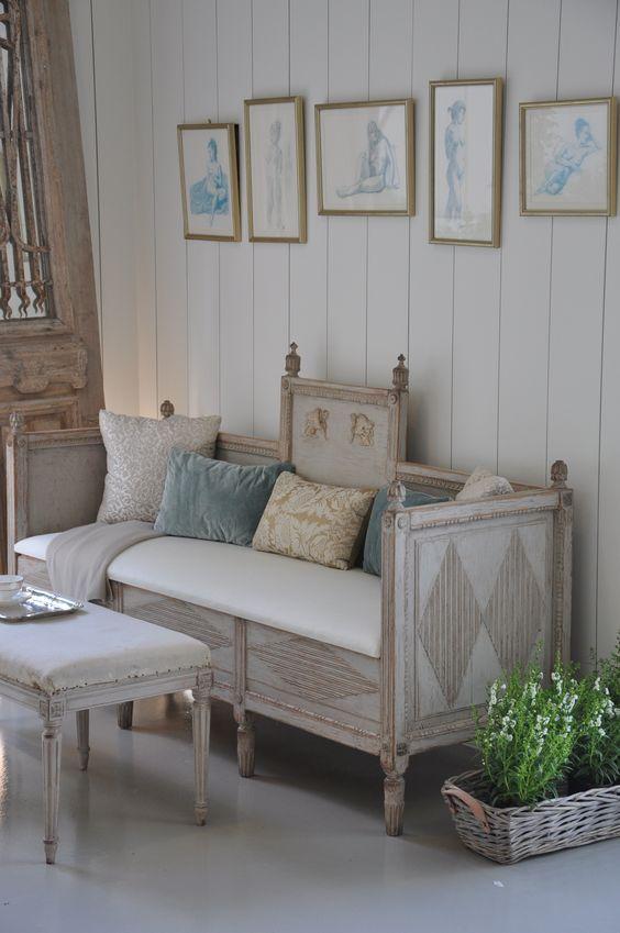 скамейка для спальни в стиле прованс фото обиженной