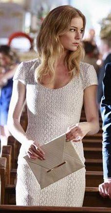 Emily's white short sleeved dress on Revenge.  Outfit Details: http://wornontv.net/9412/ #Revenge #ABC