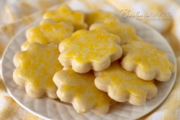 Lemon Shortbread Cookies--These cookies are sandy and crumbly, tart and lemony, and definitely addicting, especially if you're a fan of lemon desserts.