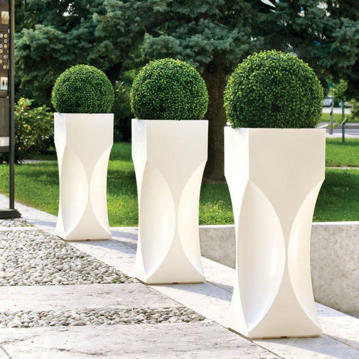 LineaLight Out, prepara il tuo giardino per la bella stagione :)