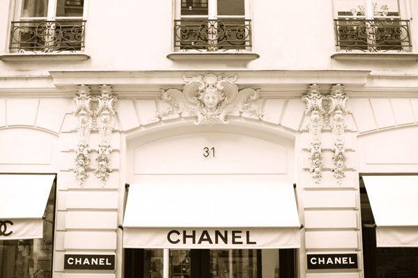 Chanel Store 31 Rue Cambon Paris, France Photography, Paris Decor, Art Print door TarynStMichele op Etsy https://www.etsy.com/nl/listing/125450408/chanel-store-31-rue-cambon-paris-france