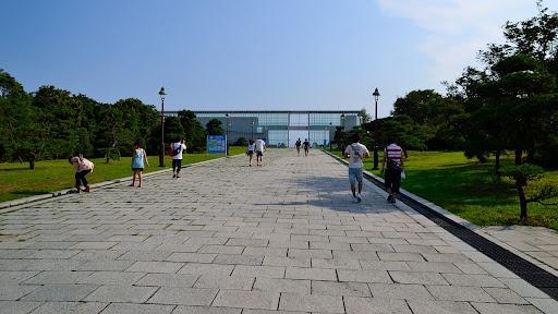 Clystal View (クリスタルビュー) / Architect by Yoshio Taniguchi (谷口吉生)