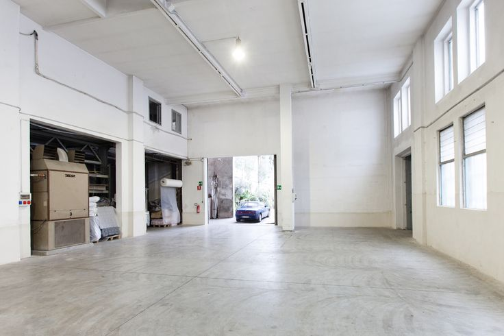 Location Interspazio, Via Tortona 31 http://www.milanospacemakers.com/locations/45/via-tortona-31/interspazio