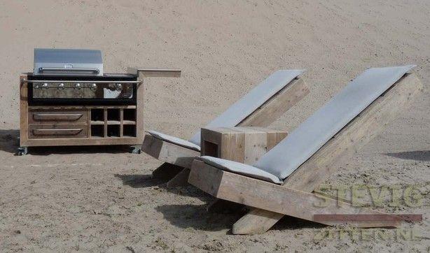 BBQ kopen en zelf ombouw   stoelen laten maken van steigerhout