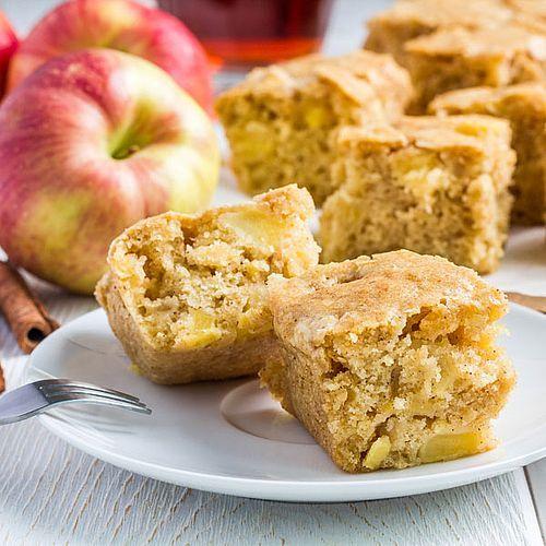 Schneller, saftiger Low Carb Apfelkuchen – Rezept ohne Zucker