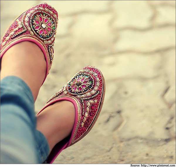Mojari or mozari (known in Pakistan as khussa or kusra) jutti, kussa, mojri, indian shoes