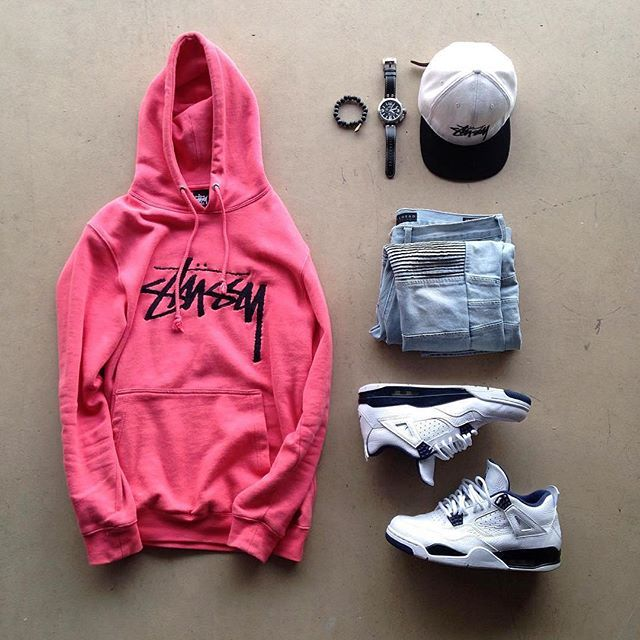 Please tell me stussy is still a thing. I'm a total pussy for stussy.