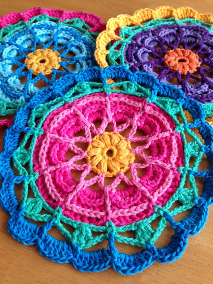 Da's Crochet Connection: Colorful Flower Mandalas free pattern, thanks so for sharing xox