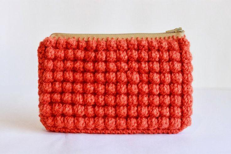 DIY: crocheted clutch