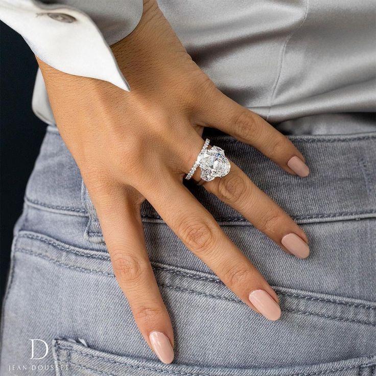 Juwelier: Jean Dousset Oval 3 Stein Verlobungsring Diamanten # 3stoneengagementri … – Jewelry // Diamonds