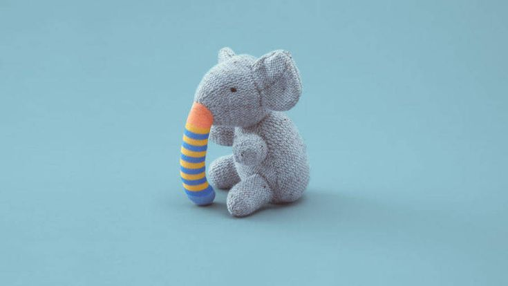 Agency Dentsu created a series of prints to raise awareness to organ donation in Japan. The campaign gives a second life to broken toys by replacing the missing parts by the one of another toy.a