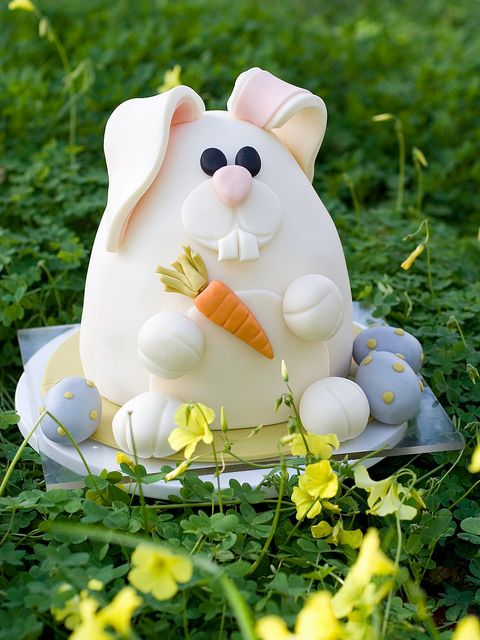 Easter Bunny Cake | studiocake, via Flickr