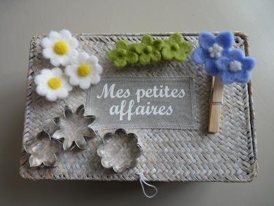 Atelier fleurs en laine cardee