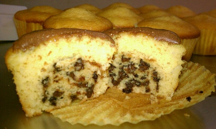 Choc chip cookie dough cupcakes