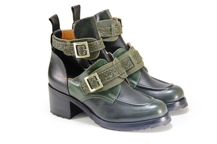 Ankle boots green leather with two buckle   #fashion #ankleboots #womanshoes #shoes #model #colombia