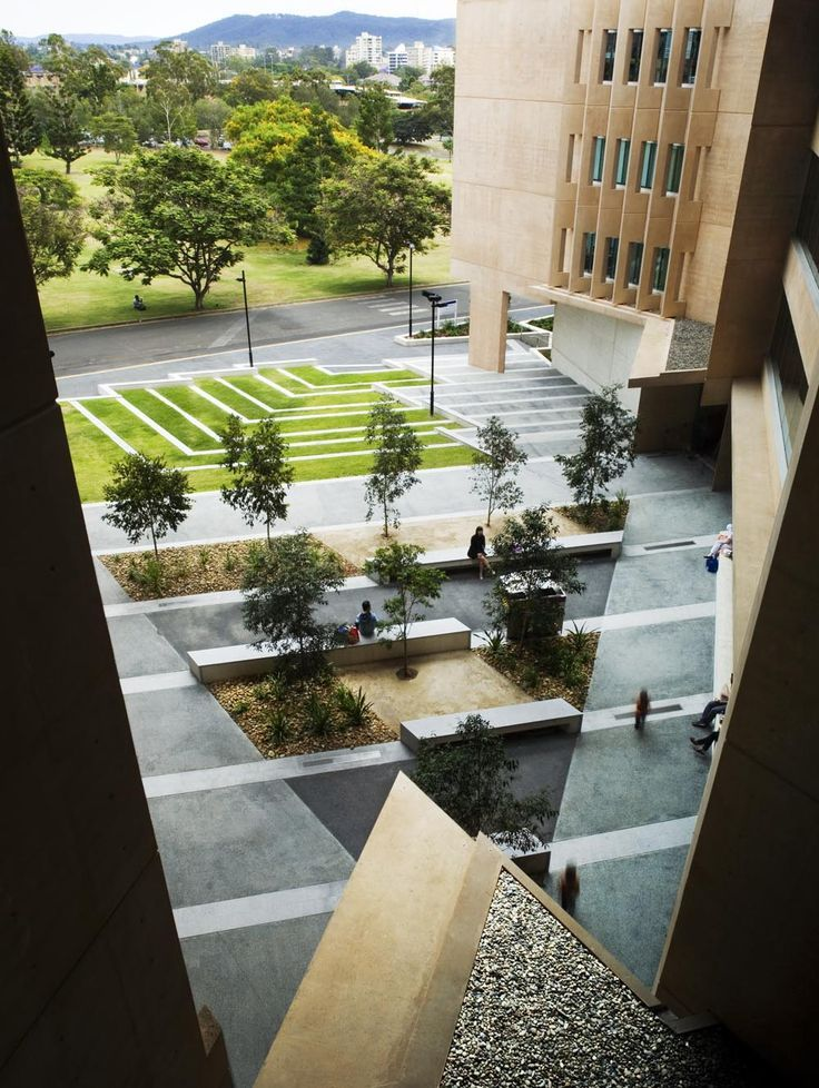 houblon:  Sir Llew Edwards Building at University of Queensland in Brisbane by Richard Kirk Architect