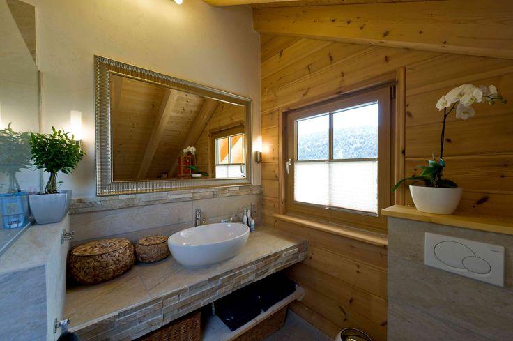 klassisches Holzhaus am Schlossberg von Fullwood Massivholzhaus