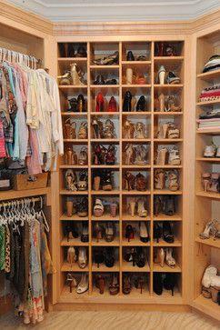 Miscellaneous - traditional - closet - atlanta - Webber Coleman Woodworks É uma sugestão, mas prefiro guardar sapatos separados de roupas...