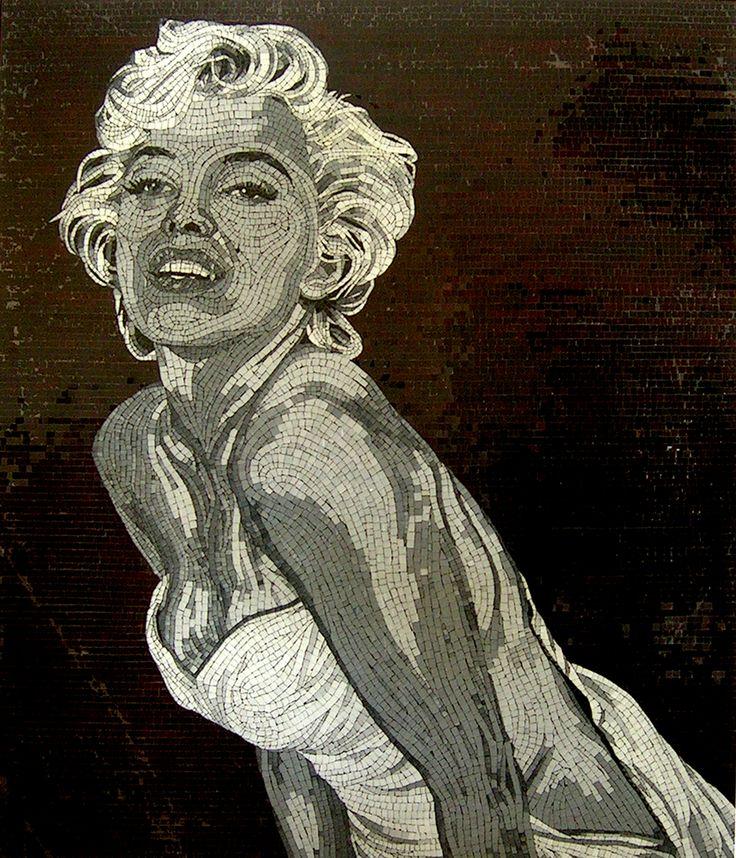 136 x 118cm. Marilyn Monroe