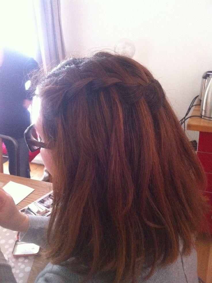 Tresse cascade sur cheveux mi longs coiffure Pinterest