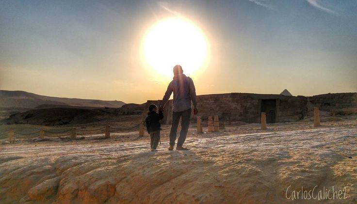 Guía #guide      #father #god #sun #sunset #Walking #path #rock #stone #sad #hot #love #travel #mytravelgram #photography #travelphotography #egypt #egipto #greatsphinxofgiza #giza