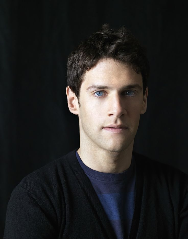 Justin Bartha- his eyes just are amazing!!!