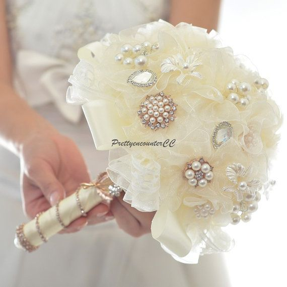 Crystal Yarn Wedding Bouquet Wedding Flowers Handmade Flowers Voile Bridal Bouquet Bridesmaid bouquet with Pearls and Satin Silk Ribbons