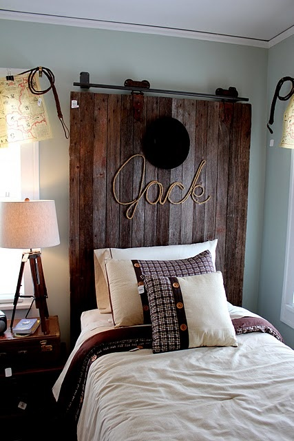 Window valance is treasure maps clipped to a whip....ADORABLE boys room idea!