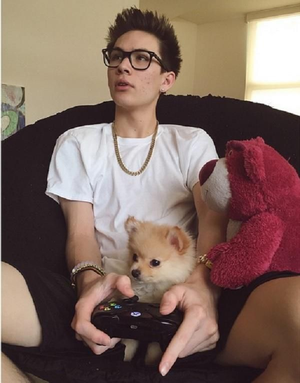 Carter Reynolds' Dog Winnie Dies: What Happened To Magcon Star's ... Carter Reynolds leaked video #CarterReynoldsleakedvideo
