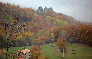 Autumn Travel in Italy: Fall Colors in Emilia Romagna