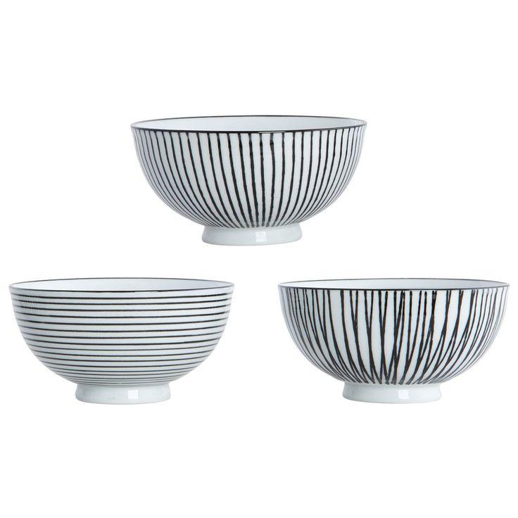 Pen Stripe skålar från House Doctor. Tre enkla och stilrena skålar tillverkad av p...