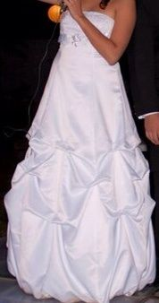 ¡Nuevo vestido publicado!  Liz Minelli-Novia Blanco ¡por sólo $2000! ¡Ahorra un 56%!   http://www.weddalia.com/mx/tienda-vender-vestido-de-novia/liz-minelli-novia-blanco/ #VestidosDeNovia vía www.weddalia.com/mx