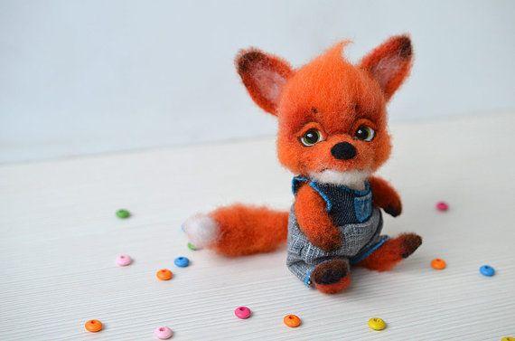 Naald vilten kleine vos. Schattige baby van de sluwe vossen. Grappige kleine speelgoed. Wol miniatuur dier. Gember fox cub. Cadeau voor haar