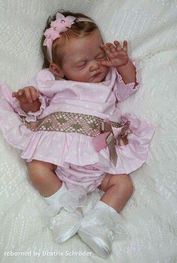 Adorable baby girl♡♡♡♡