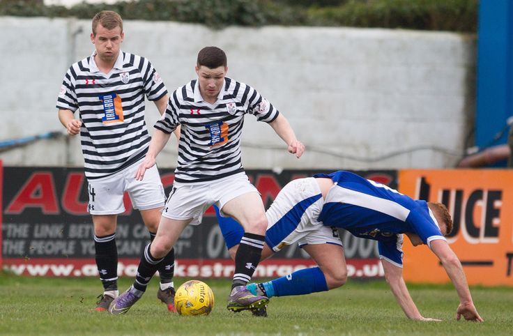 Queen's Park's Conor McVey in action during the Ladbrokes League One game between Stranraer and Queen's Park.