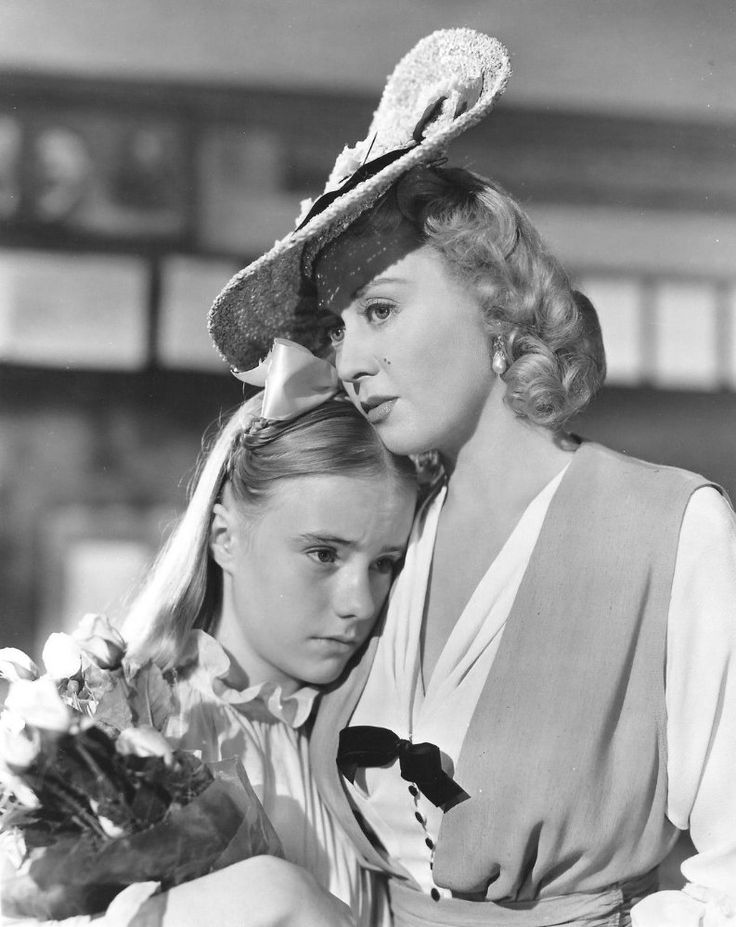 Joan Blondell and Peggy Ann Garner in A Tree Grows in Brooklyn (1945)