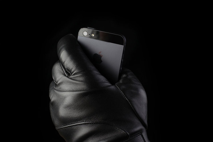 High end leather touchscreen friendly gloves by Mujjo via fastco.