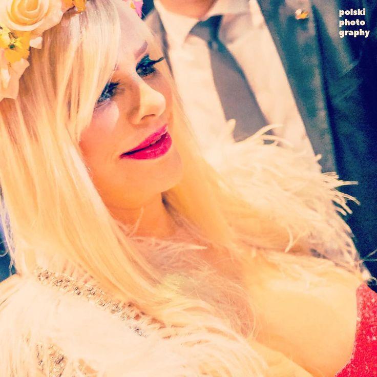 Ten moment, kiedy fanka prosi cię o pokazanie cycków... #cicciolina #ilonastaller #legend #portrait #star #celebrity #revolution #warsaw #warszawa #kinoteka #pkin #flowers #makeup #italiangirl #symbol #cinema #festival #documentary #Varsavia http://tipsrazzi.com/ipost/1517596724297714905/?code=BUPli4gD8zZ