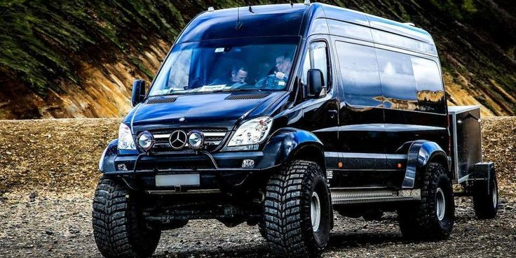 best 25 mercedes sprinter 4x4 ideas on pinterest. Black Bedroom Furniture Sets. Home Design Ideas