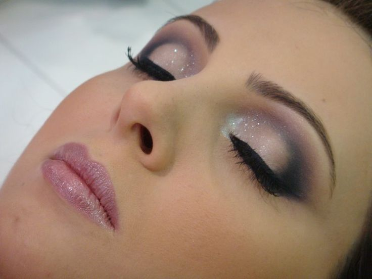 pretty glitter eyes