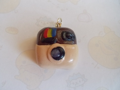For Jane..lol so cute♥ This cute charm is perfect for any instagram lover. comes with a jump ring so you can attach it to whichever chain or jewelry you'd like.   ♥ This charm is handmade.  ♥ IF you want to make sure your polymer clay charms last, make sure to remove the charms when taking a shower, or swimming. Char...