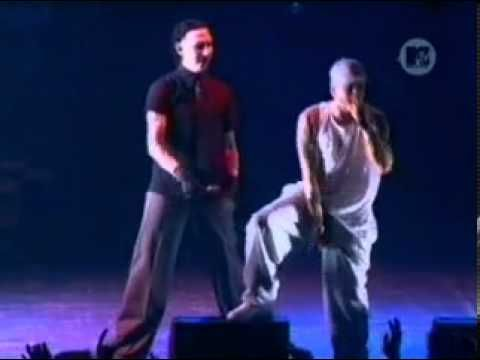 ▶ Eminem Ft. Marilyn Manson - The way i am ( Live ) - YouTube Every 90's parent's nightmare lol