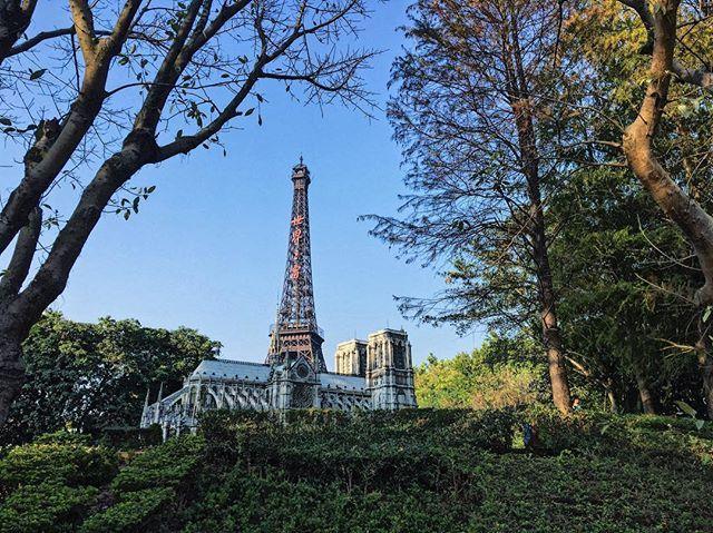 Notre-Dame de Paris + La Tour Eiffel 💕 What else would I asked for more than watching this view? 🤔 #China #Travel #Travelgram  #Fun #Tree #toureiffel  #eiffeltower #France #Peace #Pray #Cathedral #Sky #Vscocam #Follow #Wanderlust #Trip #Followforfollow #Winter #Quote #Adventure #Travelling #Dream #Travelblogger #Blogger #Instagram #Explorer #exploretheworld #Dreamlaland