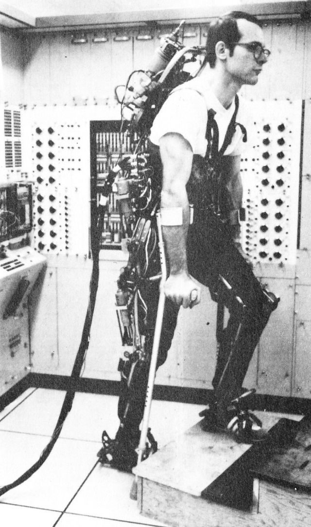 1971 - A computer controlled multi-task powered exoskeleton for paraplegic patients - Jack George Grundmann / Ali Seireg (American) - cybern...