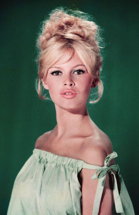 """Reunindo 40 fotos, a exposição gratuita """"Brigitte Bardot (dans l'intimité)"""" pode ser visitada a partir desta quinta-feira (27/8), no Shopping D&D, em São Paulo. A mostra apresenta a intimidade da atriz francesa nos anos 1950, 60 e 70..."""