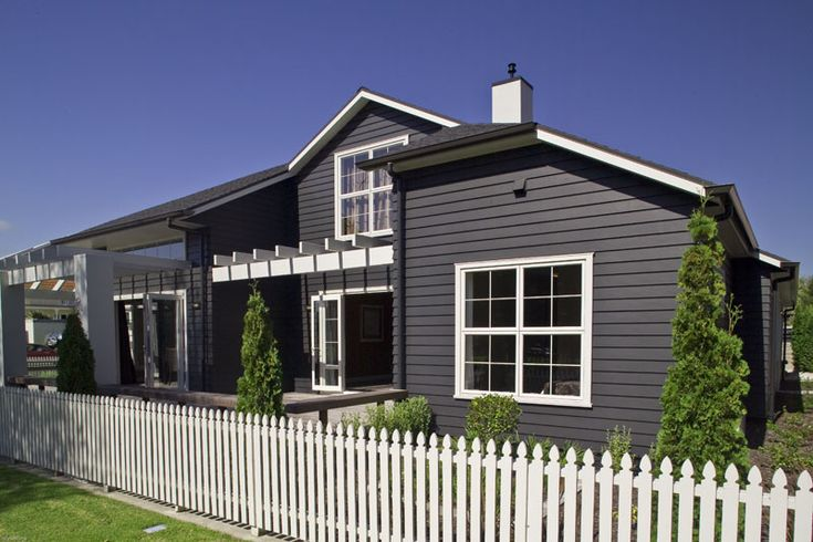 The deep shadow lines of Linea Weatherboard capture the essence of traditional New Zealand home design.    Linea Weatherboards are manufactured using Ceramic Low Density (CLD) technology making this 16mm thick product lighter and easy to install while offering you outstanding durability and stability.